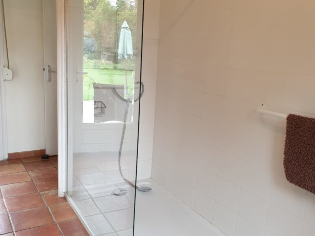 Spacious Walk in Shower